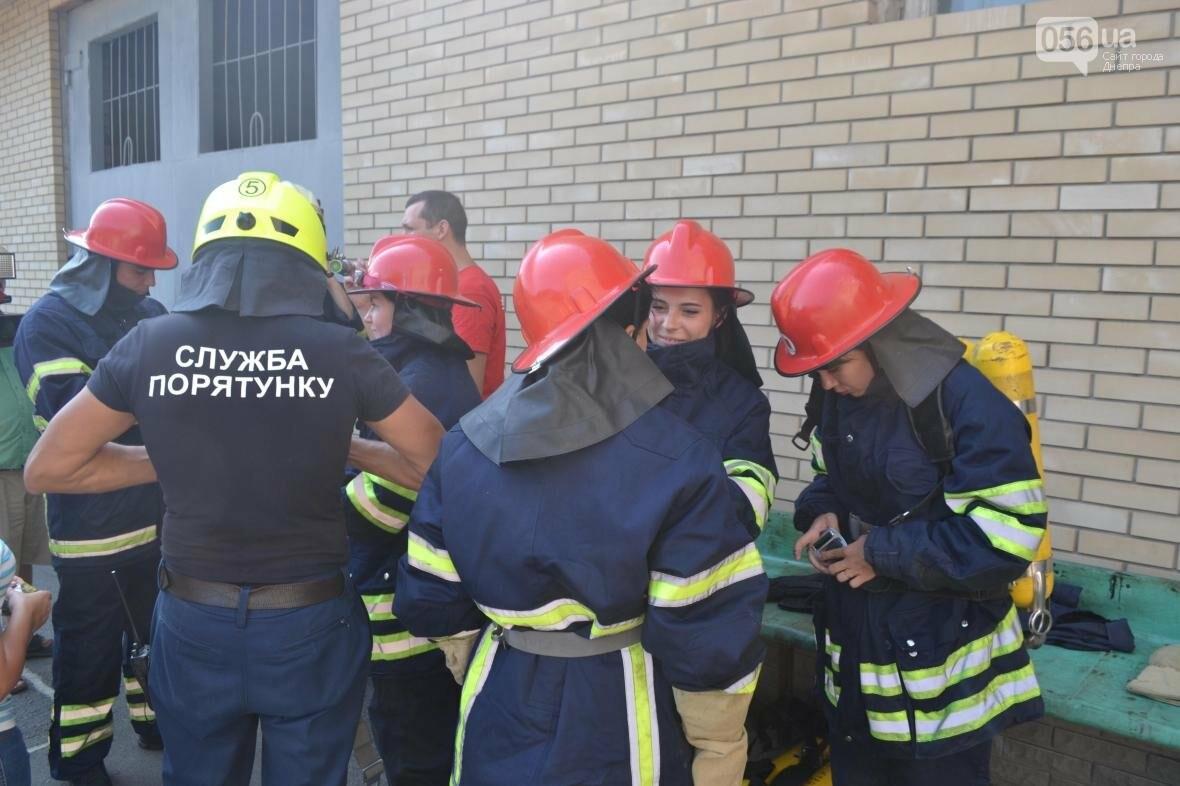 Журналистка 056.ua тушила горящую машину и спасала макет человека (ФОТОРЕПОРТАЖ), фото-1