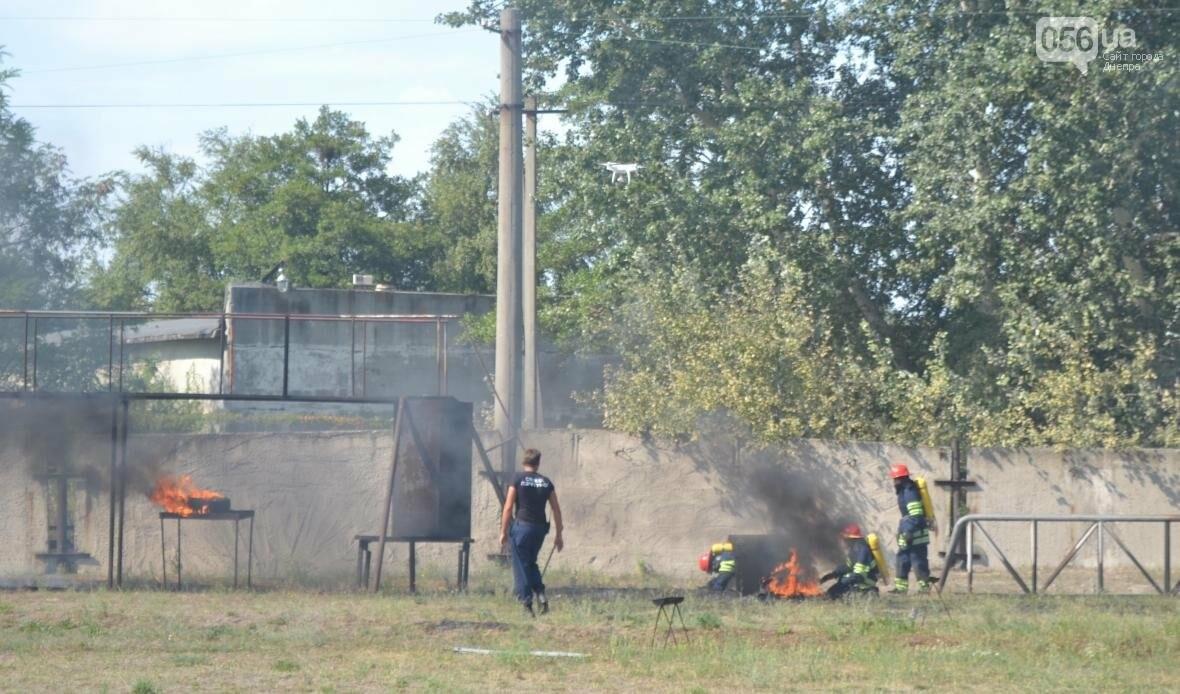 Журналистка 056.ua тушила горящую машину и спасала макет человека (ФОТОРЕПОРТАЖ), фото-3