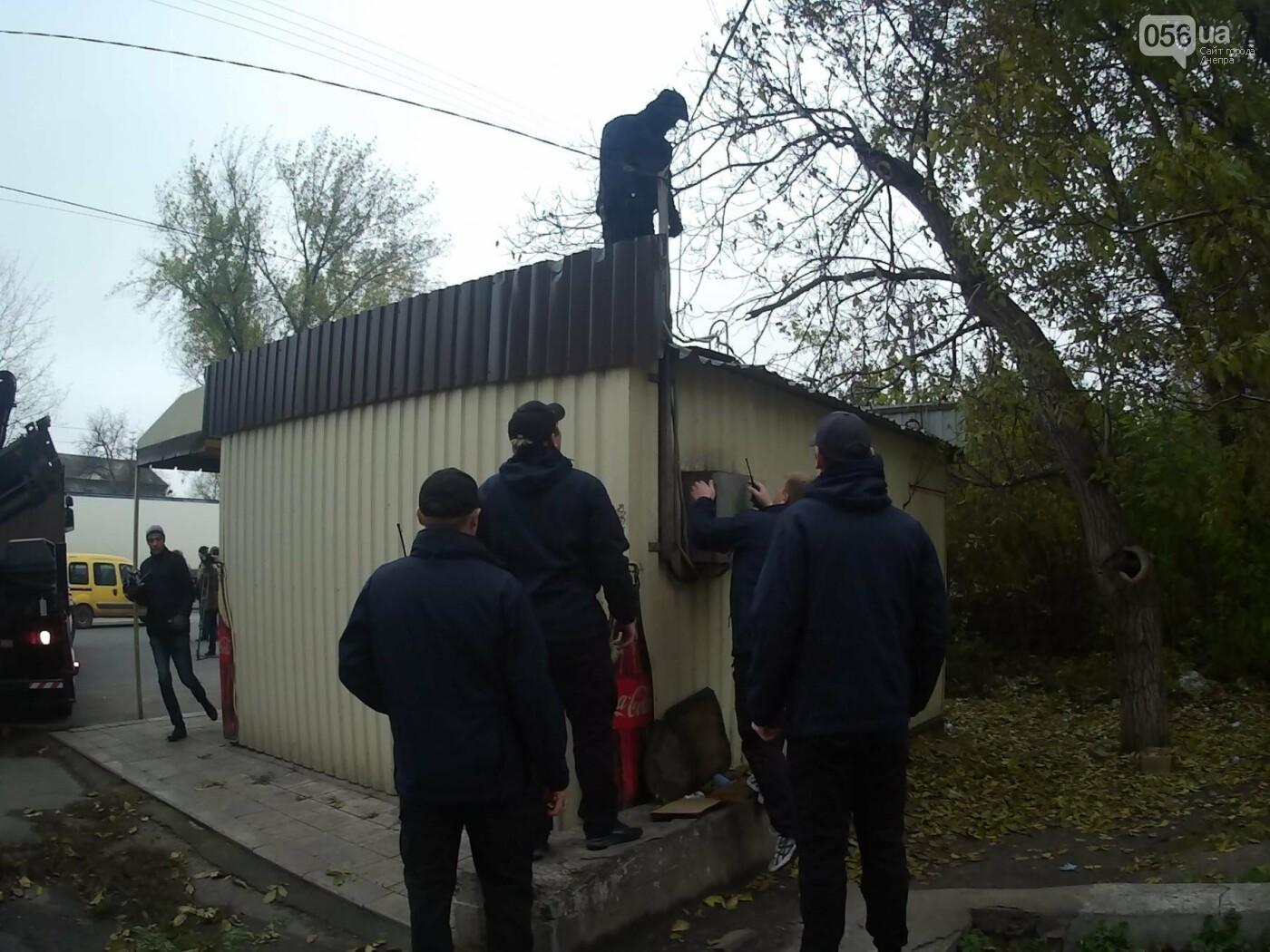 На пр. Нигояна коммунальщики снесли «наливайку» (ФОТО, ВИДЕО), фото-2