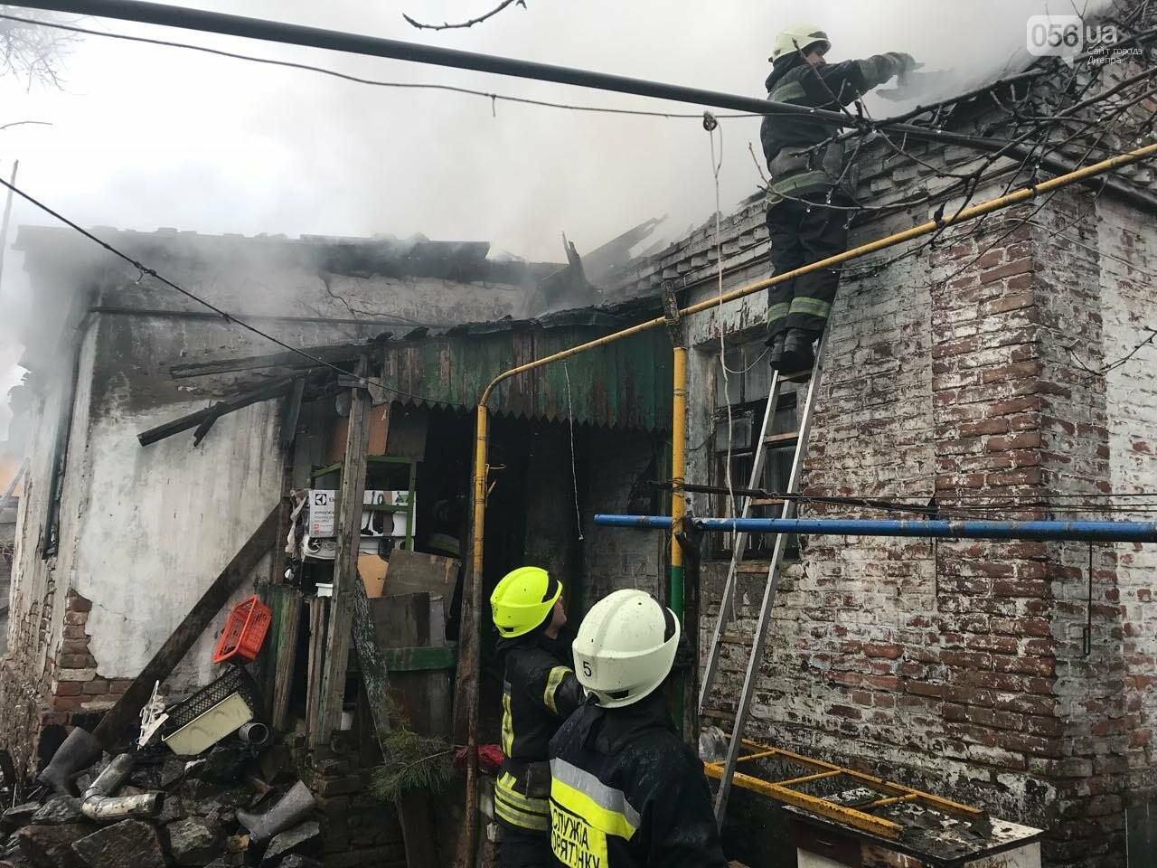 В Днепре в частном секторе сгорел дом (ФОТО) , фото-1