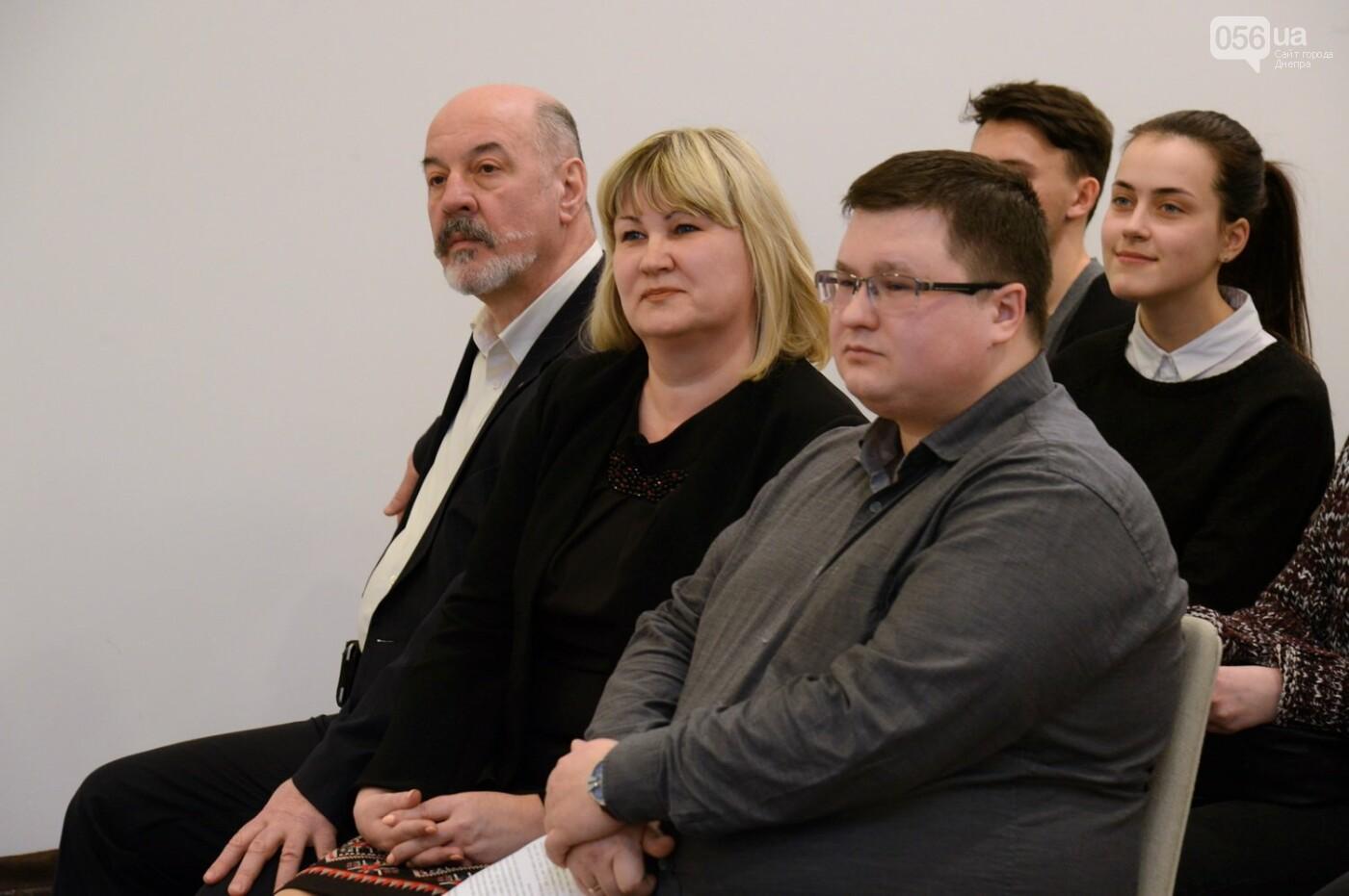 Борис Колесников вручил студентам Днипра дипломы на поездку в Арабские Эмираты, фото-2