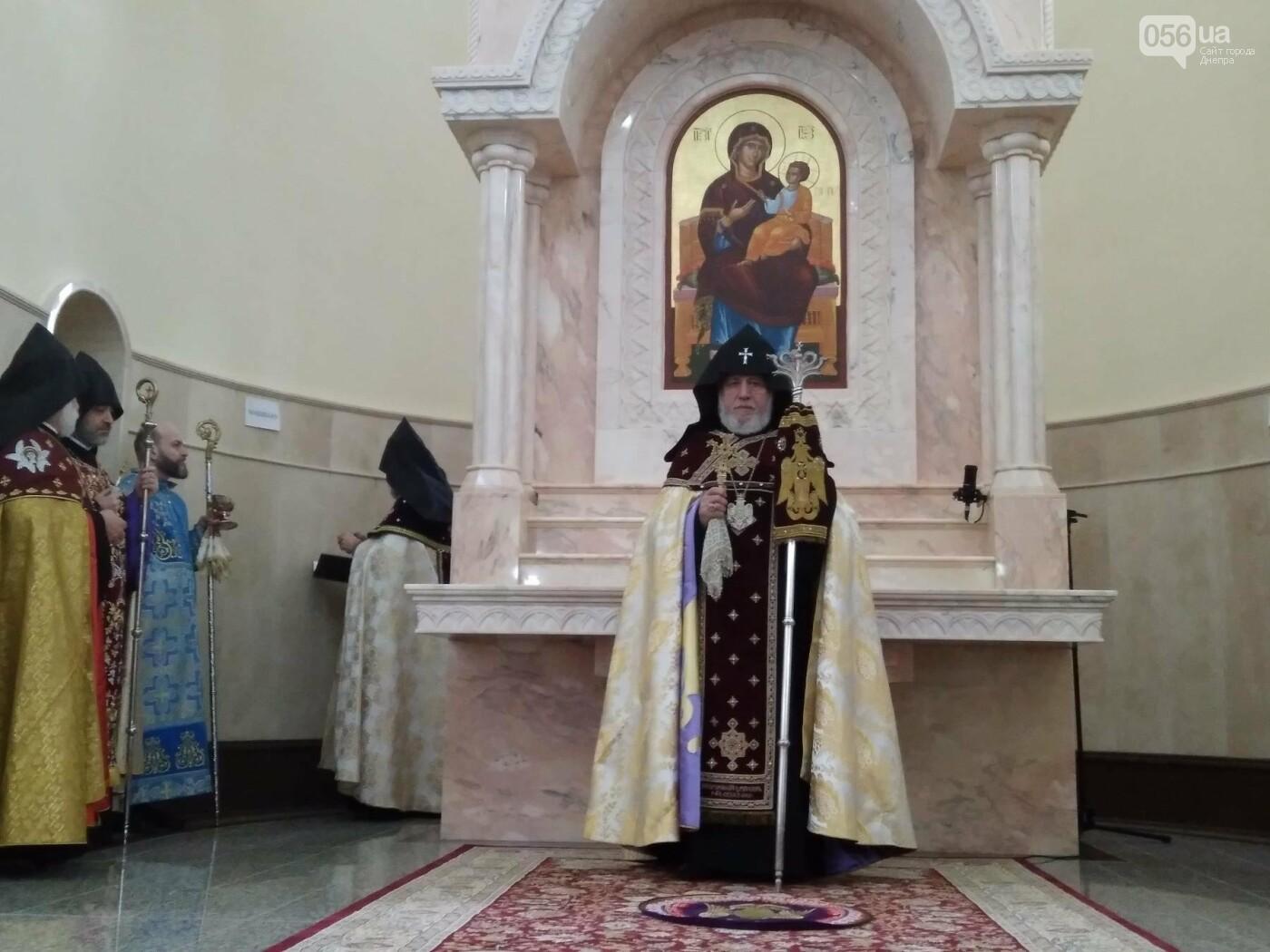 В Днепре глава Всемирного совета церквей Гарегин ІІ открыл храм Армянской Апостольской Церкви (ФОТО, ВИДЕО), фото-12