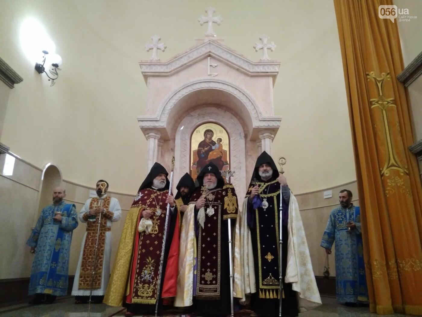 В Днепре глава Всемирного совета церквей Гарегин ІІ открыл храм Армянской Апостольской Церкви (ФОТО, ВИДЕО), фото-13