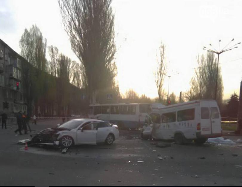 Масштабное ДТП в Кривом Роге: погибло 8 человек (ФОТО), фото-1