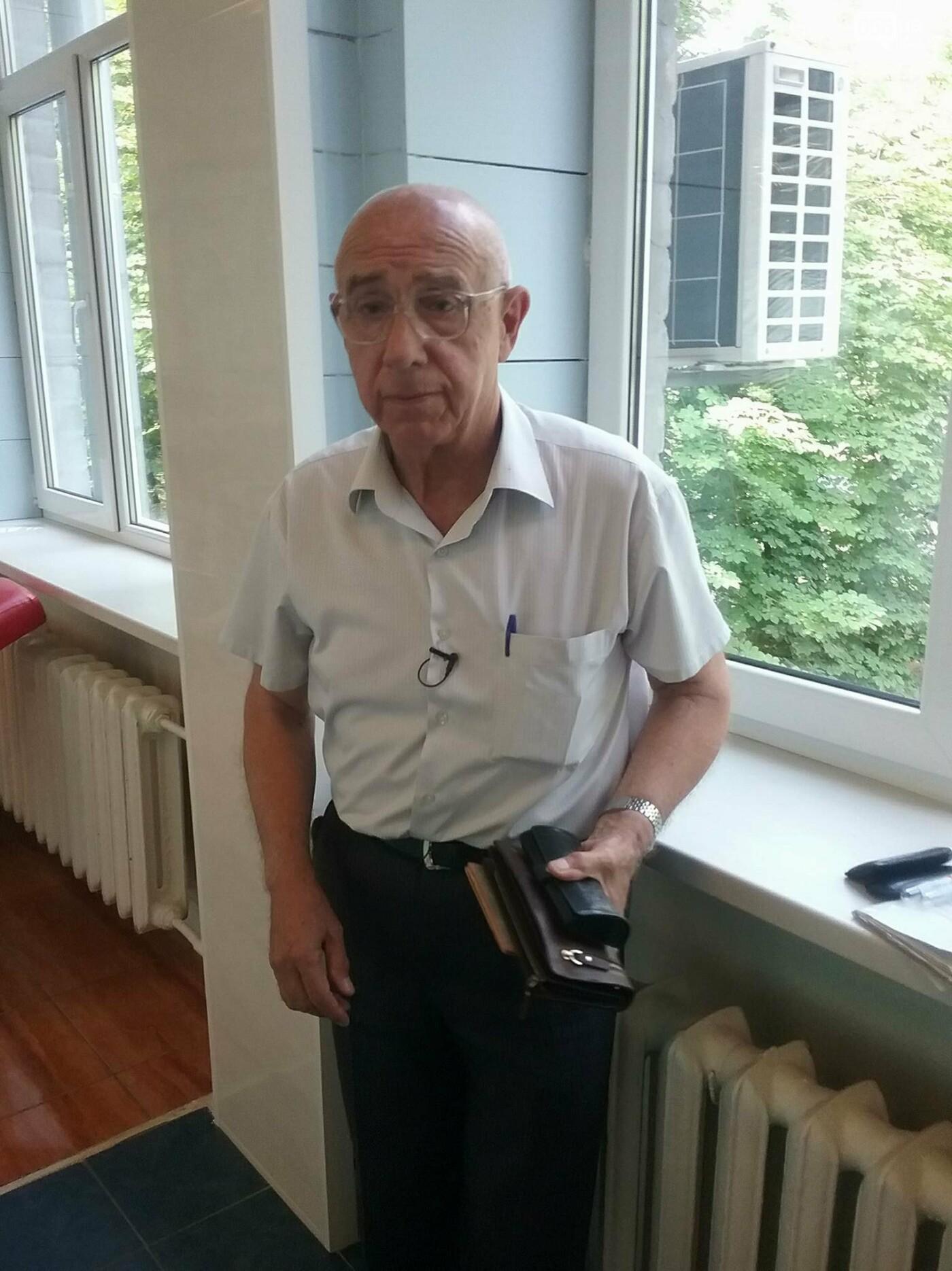«Кто-то помогает деньгами, а я кровью»: заслуженный донор Украины о том, почему важно сдавать кровь, фото-1