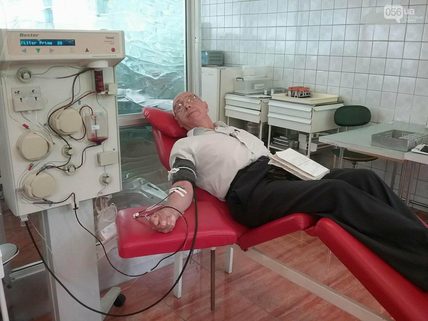 «Кто-то помогает деньгами, а я кровью»: заслуженный донор Украины о том, почему важно сдавать кровь, фото-4