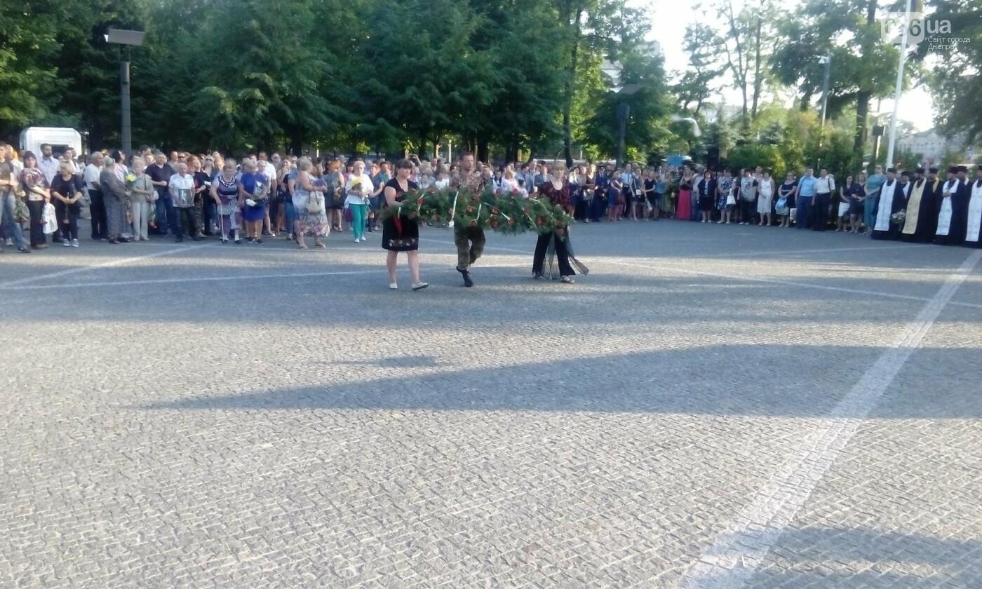 В Днепре почтили память военных погибших в сбитом над Луганском самолете ИЛ-76, - ФОТО, ВИДЕО, фото-12