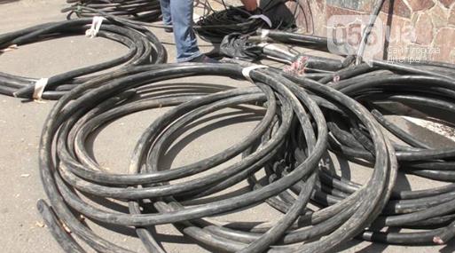 В центре Днепра иностранец-нелегал вырезал почти 60 метров кабеля, - ФОТО, ВИДЕО, фото-1