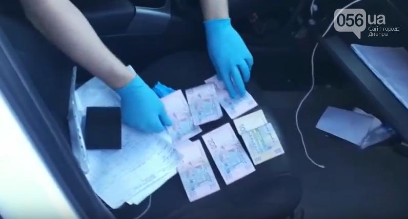 В Днепре СБУ поймала на взятке двух патрульных полицейских, - ФОТО, ВИДЕО, фото-1