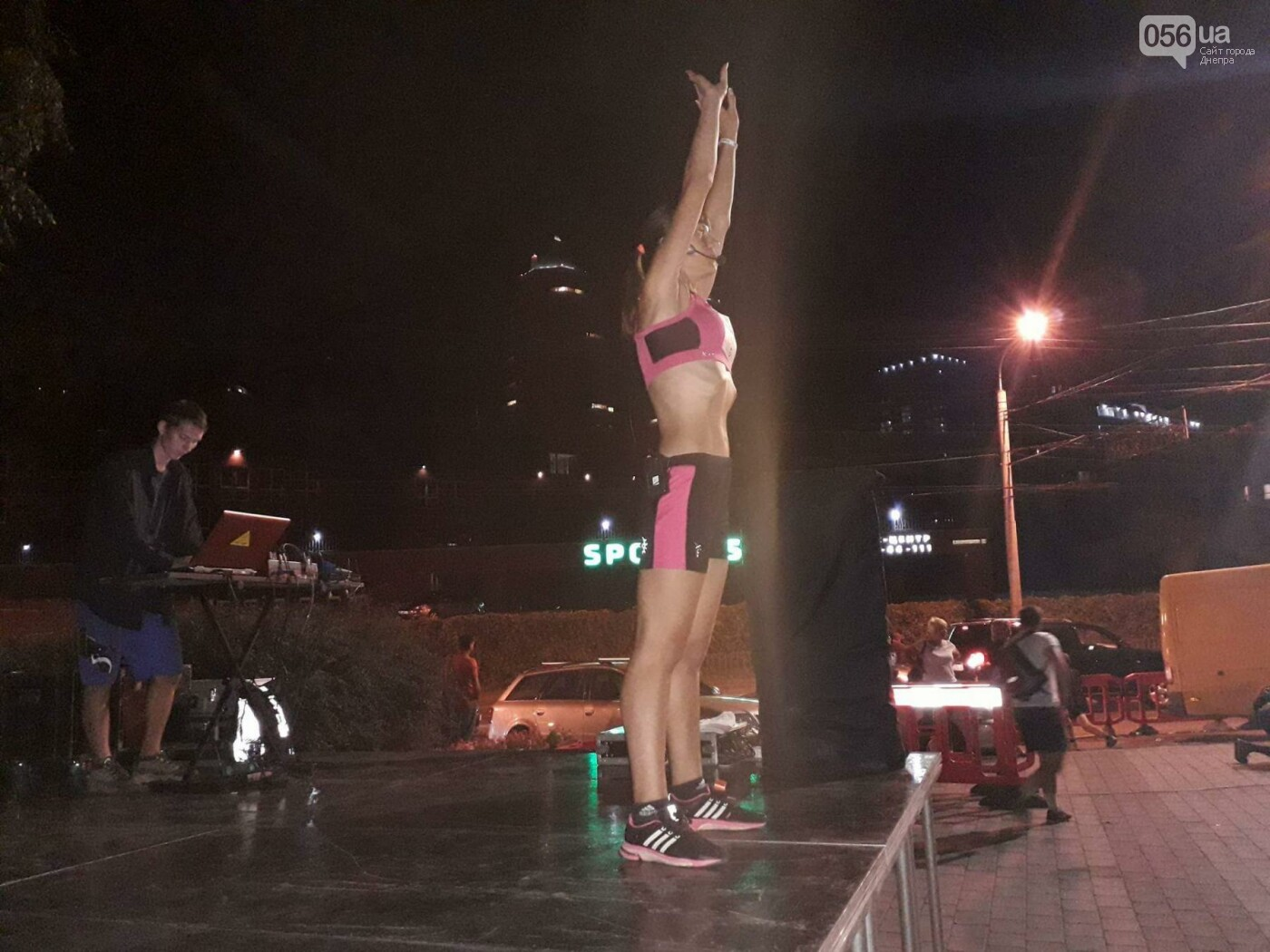 В Днепре прошел юбилейный ночной полумарафон по бегу: как это было,  - ФОТО, фото-11