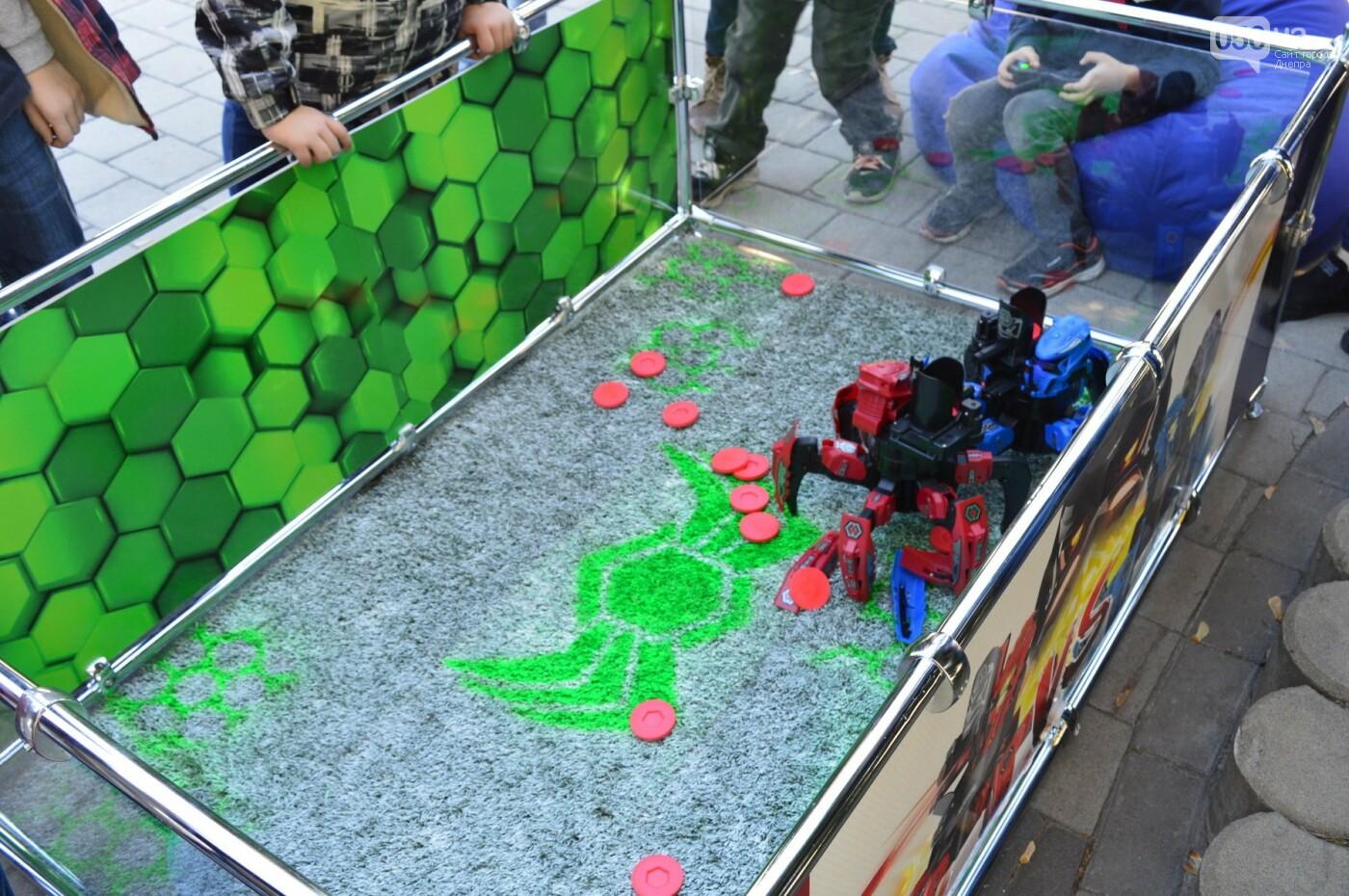 Группа 5'nizza, экстремали, роботы и «сладкий бюджет»: как в Днепре прошел фестиваль общественных инициатив UCRAZYANS, - ФОТО, фото-4