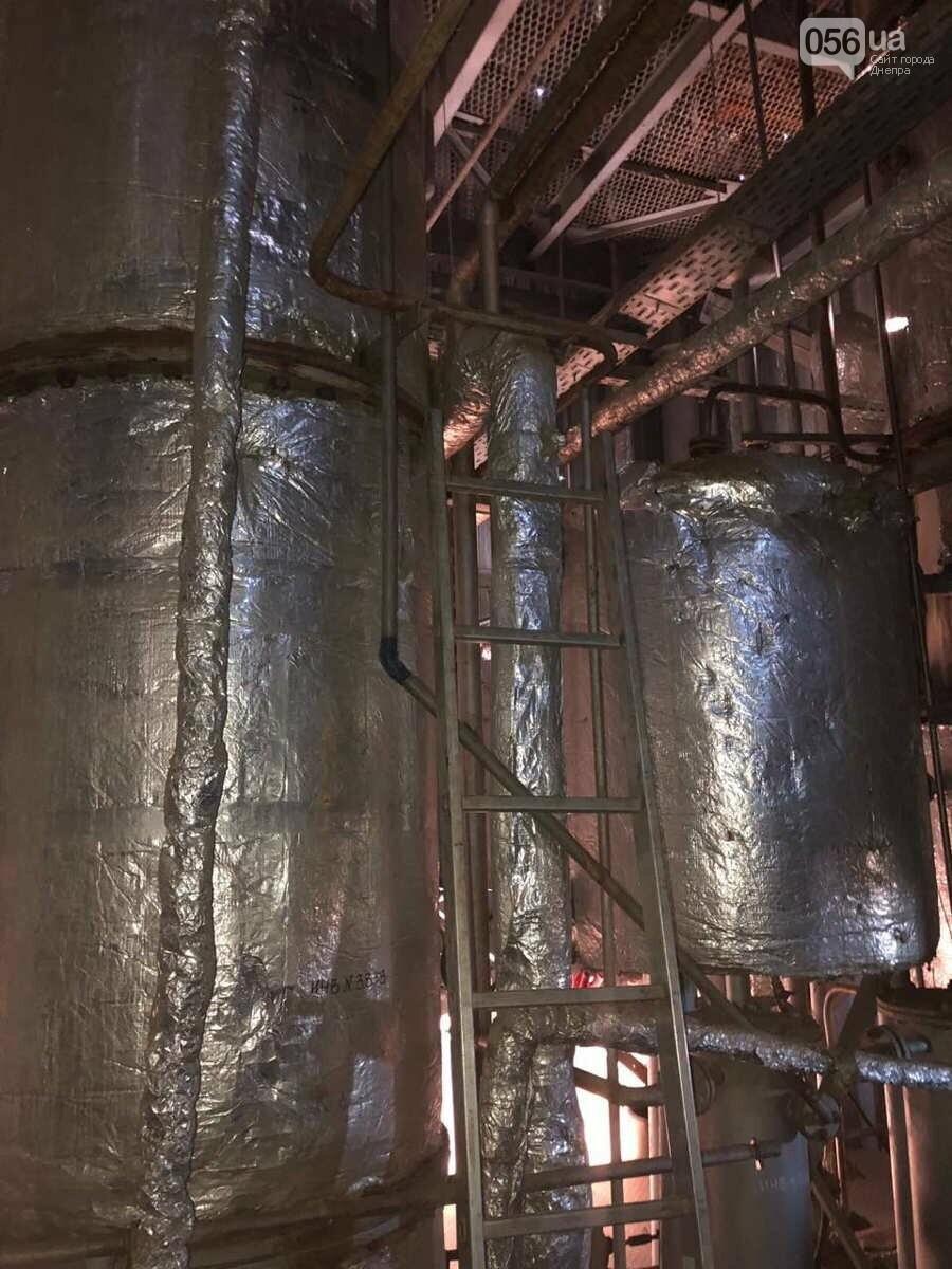 В Днепре разоблачили подпольный завод, который изготавливал спирт из стеклоомывателей, - ФОТО, фото-6