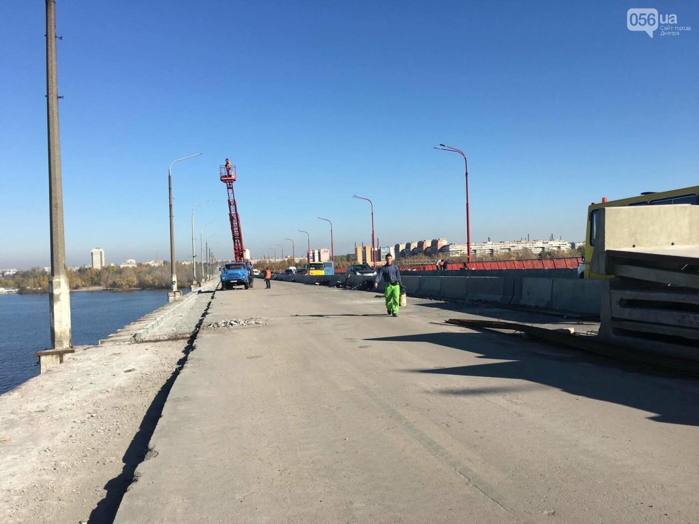 На Новом мосту в Днепре продолжает падать фонарный столб: что с ним будут делать, - ФОТО,  ВИДЕО, фото-7