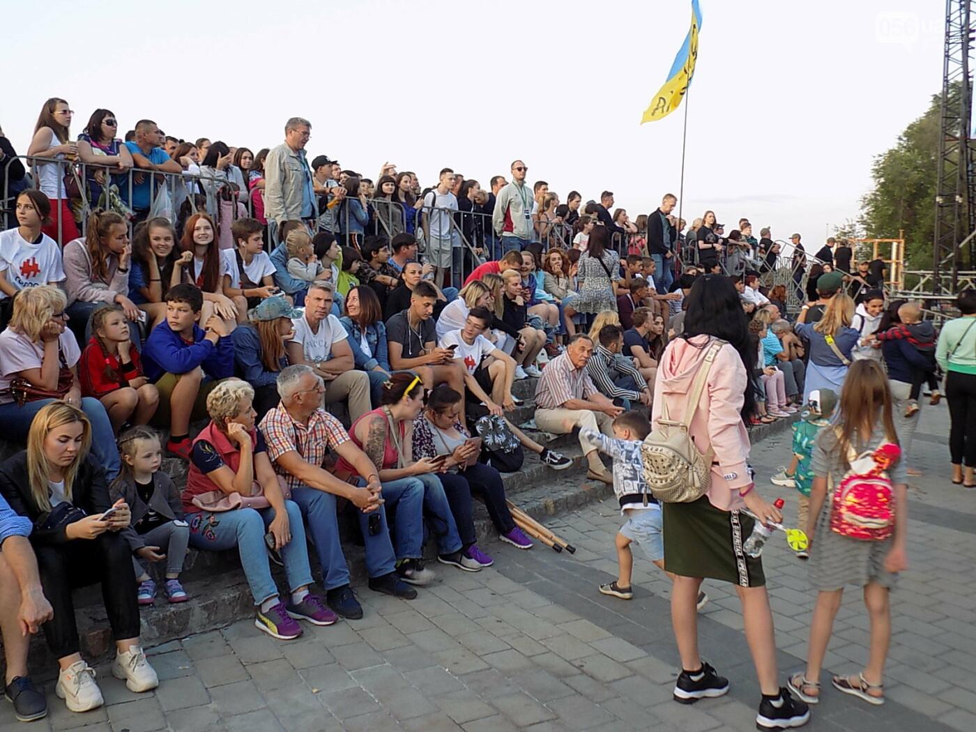 В Днепре прошел концерт группы Океан Эльзы: как это было, - ФОТО, фото-3