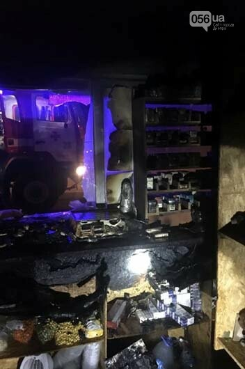 Под Днепром пожарные тушили горевший киоск, - ФОТО, фото-2