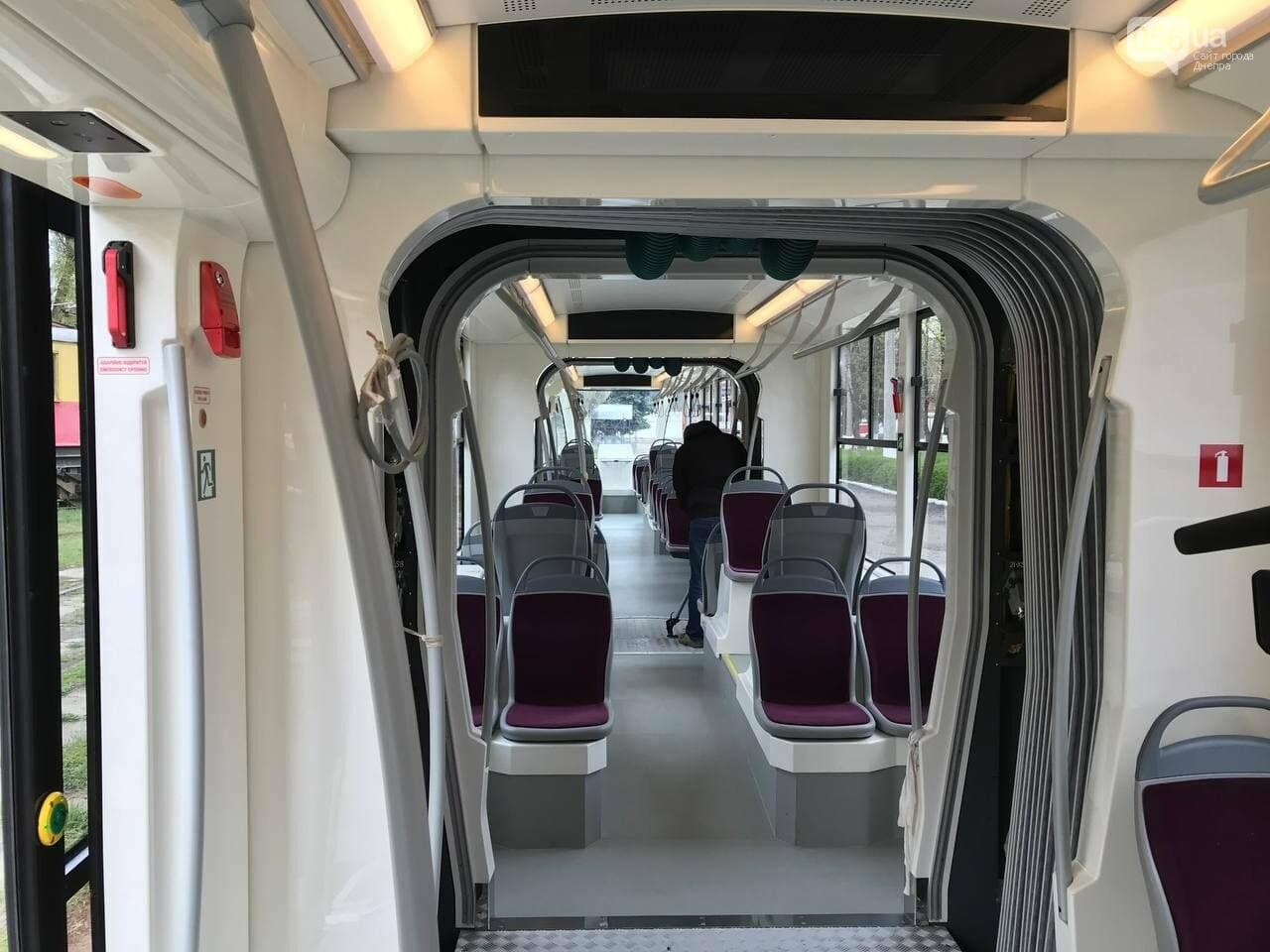 """В Днепре испытали совершенно новый трамвай """"Южмаша"""": узнай, на какой маршрут его тестируют, фото-6"""