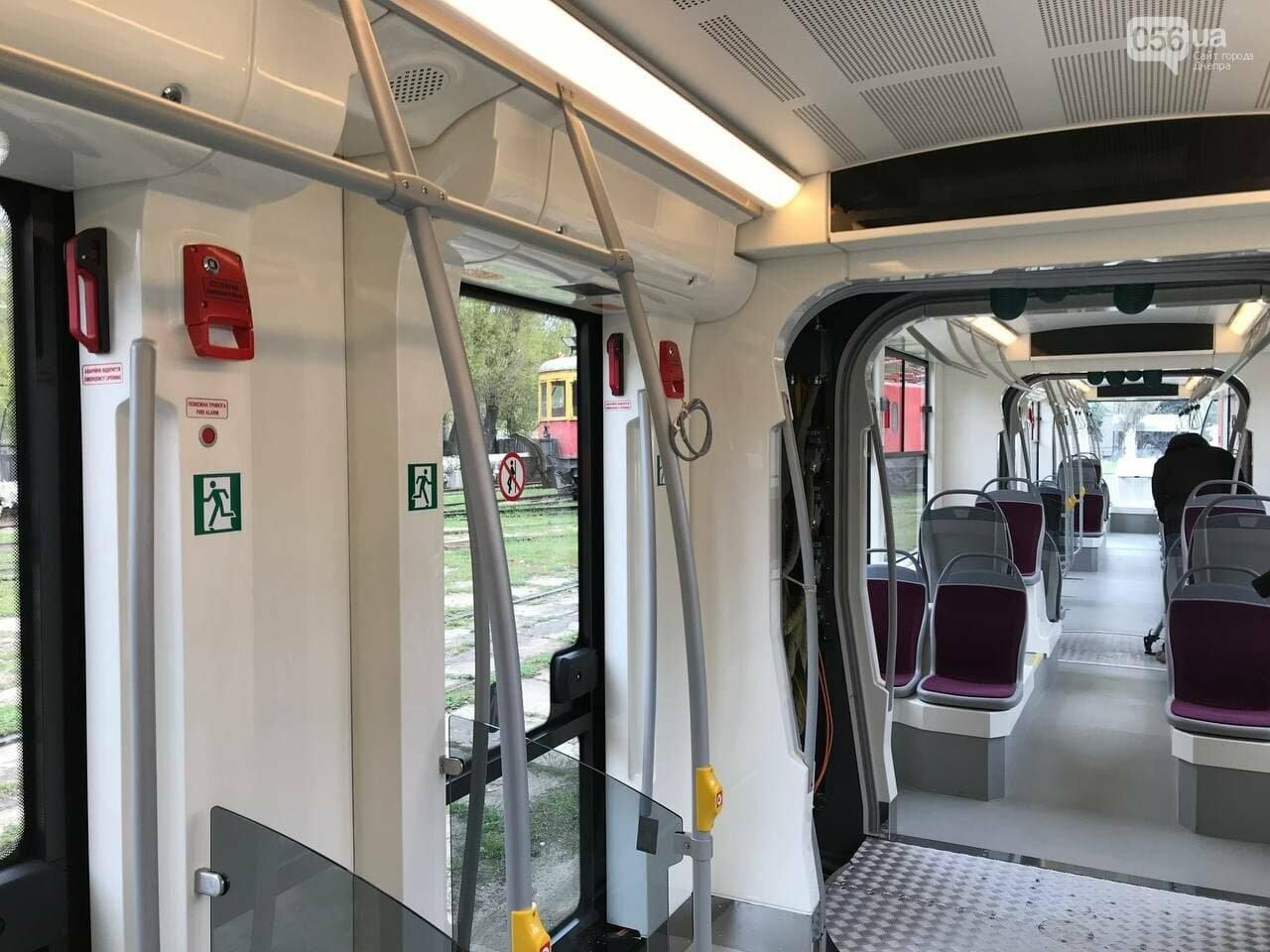 """В Днепре испытали совершенно новый трамвай """"Южмаша"""": узнай, на какой маршрут его тестируют, фото-5"""