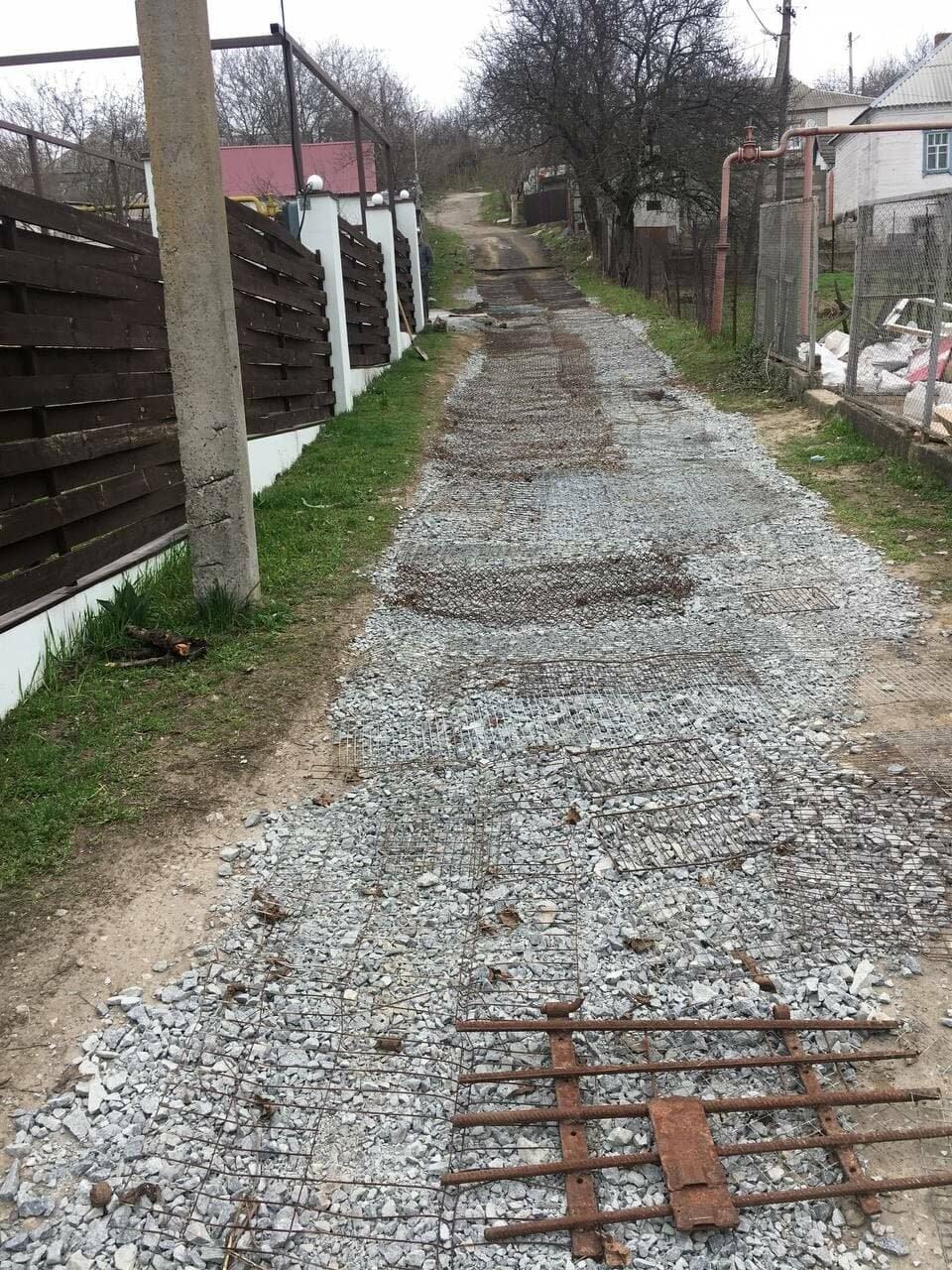 В Днепре жители одного из районов не дождались коммунальщиков и самостоятельно сделали себе дорогу, – ФОТО, ВИДЕО, фото-2