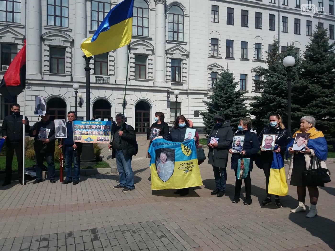 Днепровские активисты требуют лишить депутатского мандата и должности Геннадия Гуфмана: реакция политика, фото-11