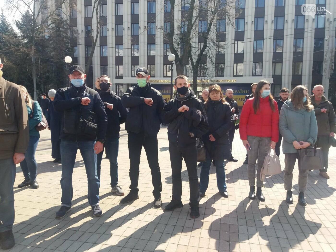 Днепровские активисты требуют лишить депутатского мандата и должности Геннадия Гуфмана: реакция политика, фото-14