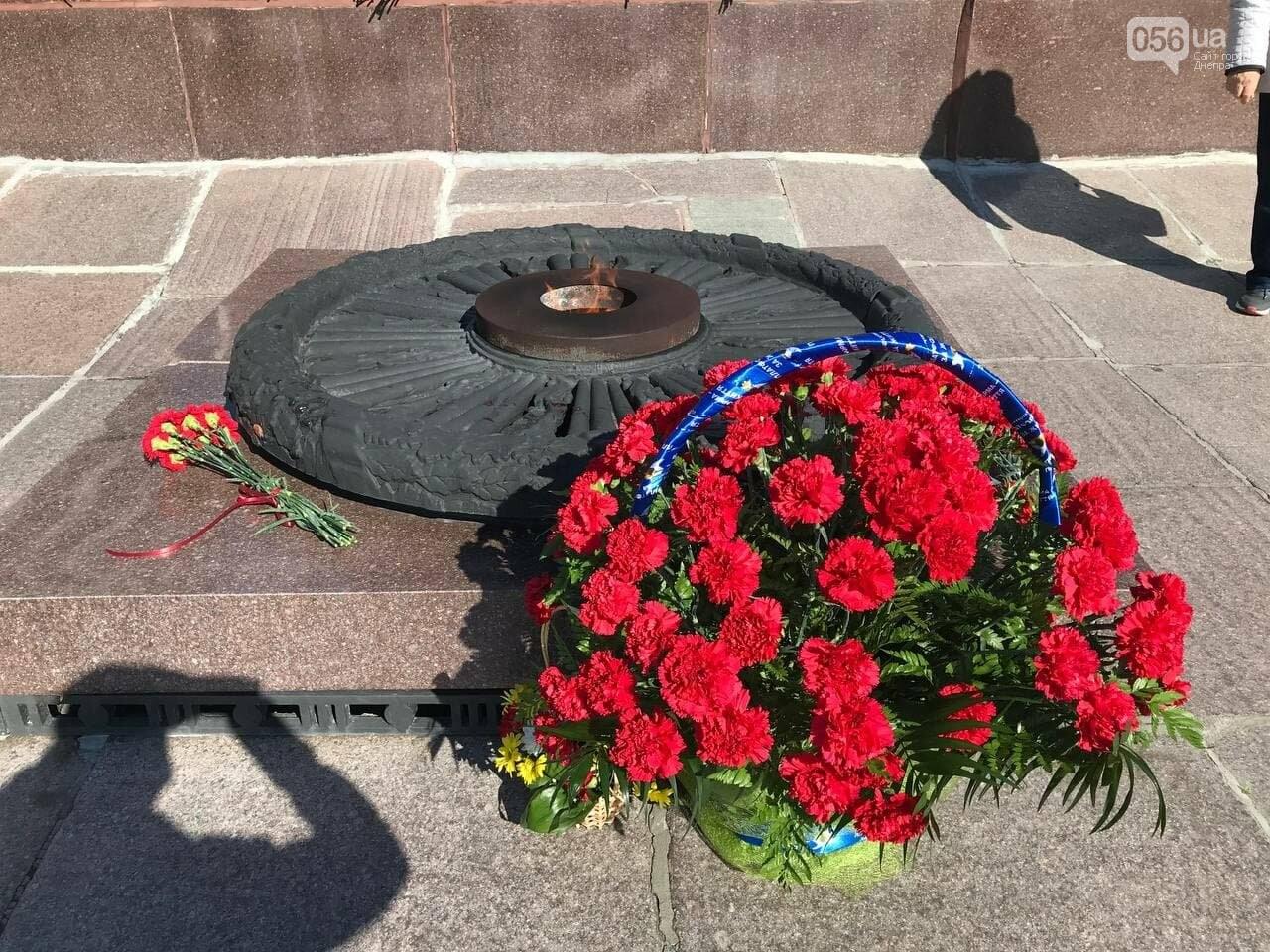 Именные значки и дети в советской форме: в Днепре Вилкул снова превратил праздник в пиар, фото-7