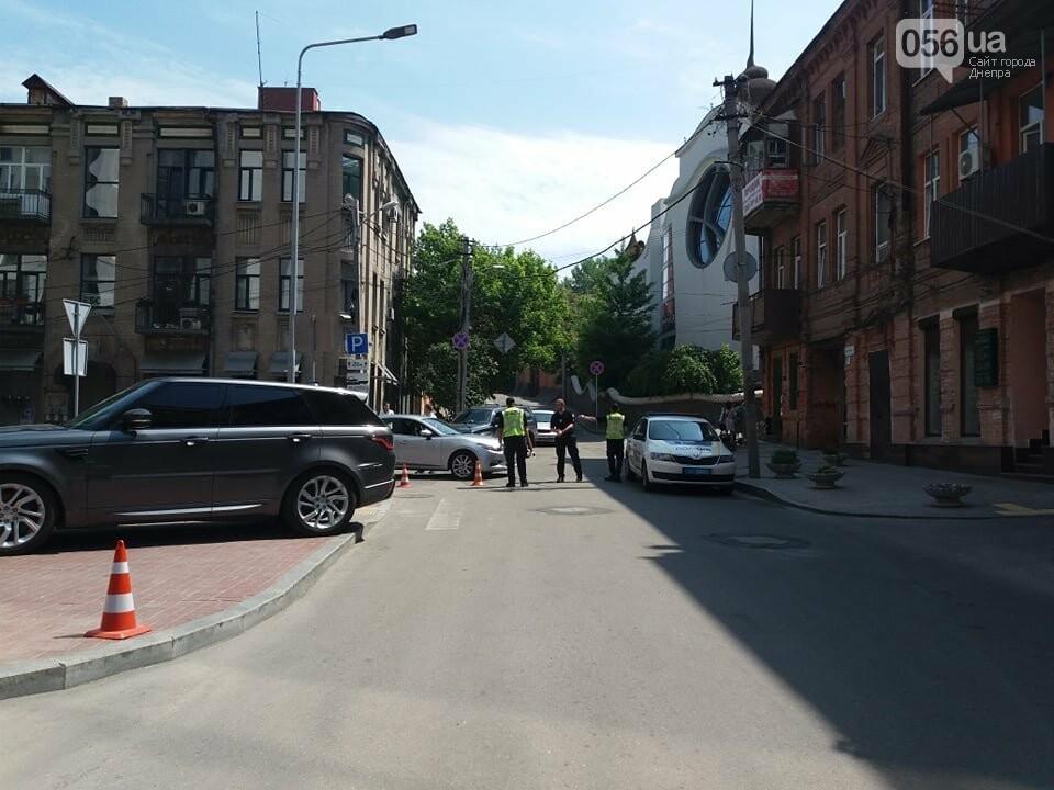 Отключенные светофоры и перекрытые дороги: как прошел рабочий визит Премьер-министра Украины в Днепре, фото-3