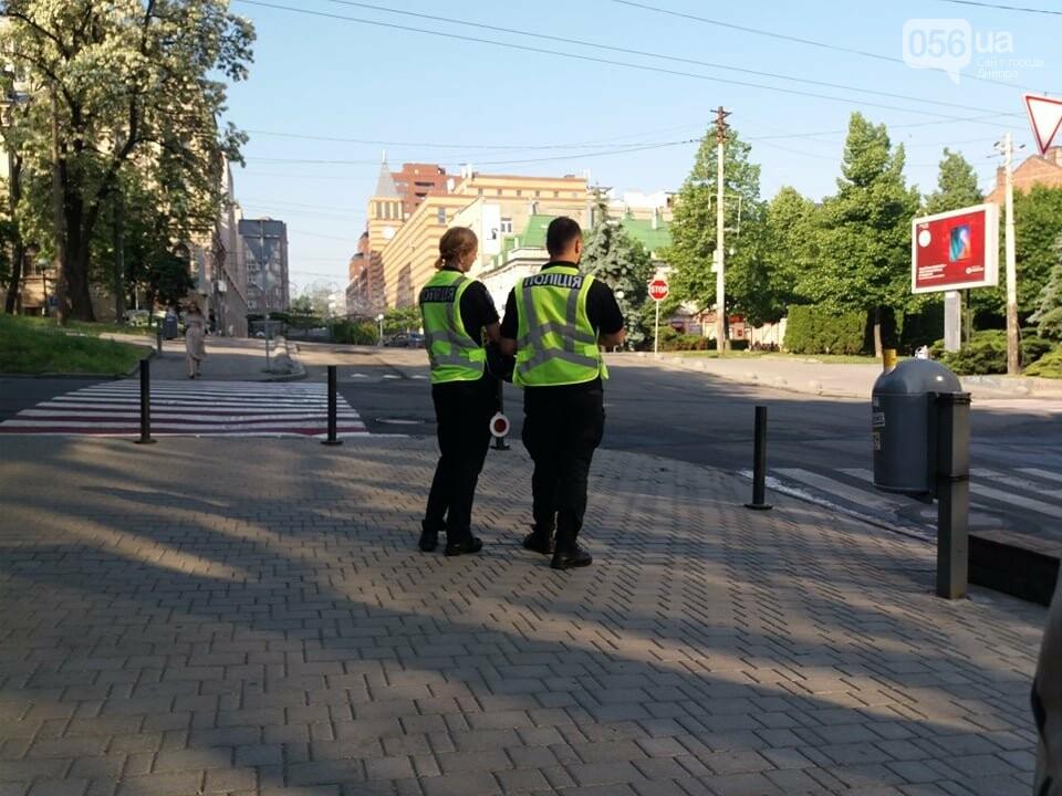 Отключенные светофоры и перекрытые дороги: как прошел рабочий визит Премьер-министра Украины в Днепре, фото-1