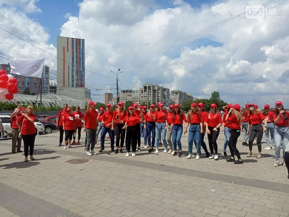 В Днепре Фестивальный причал стал красным, - ФОТО, ВИДЕО, фото-8