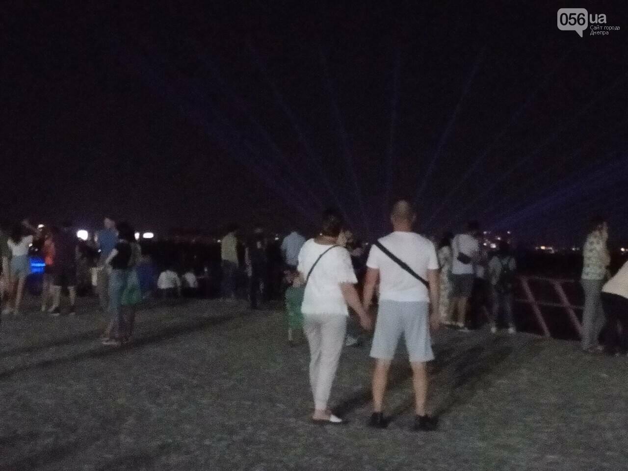 В Днепре возле Фестивального причала засветилась река, - ФОТО, ВИДЕО, фото-13