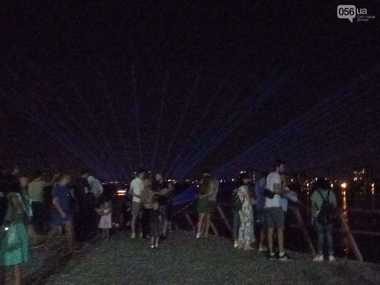 В Днепре возле Фестивального причала засветилась река, - ФОТО, ВИДЕО, фото-12