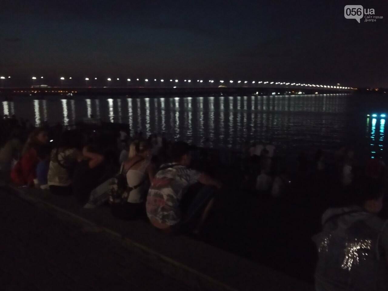 В Днепре возле Фестивального причала засветилась река, - ФОТО, ВИДЕО, фото-11