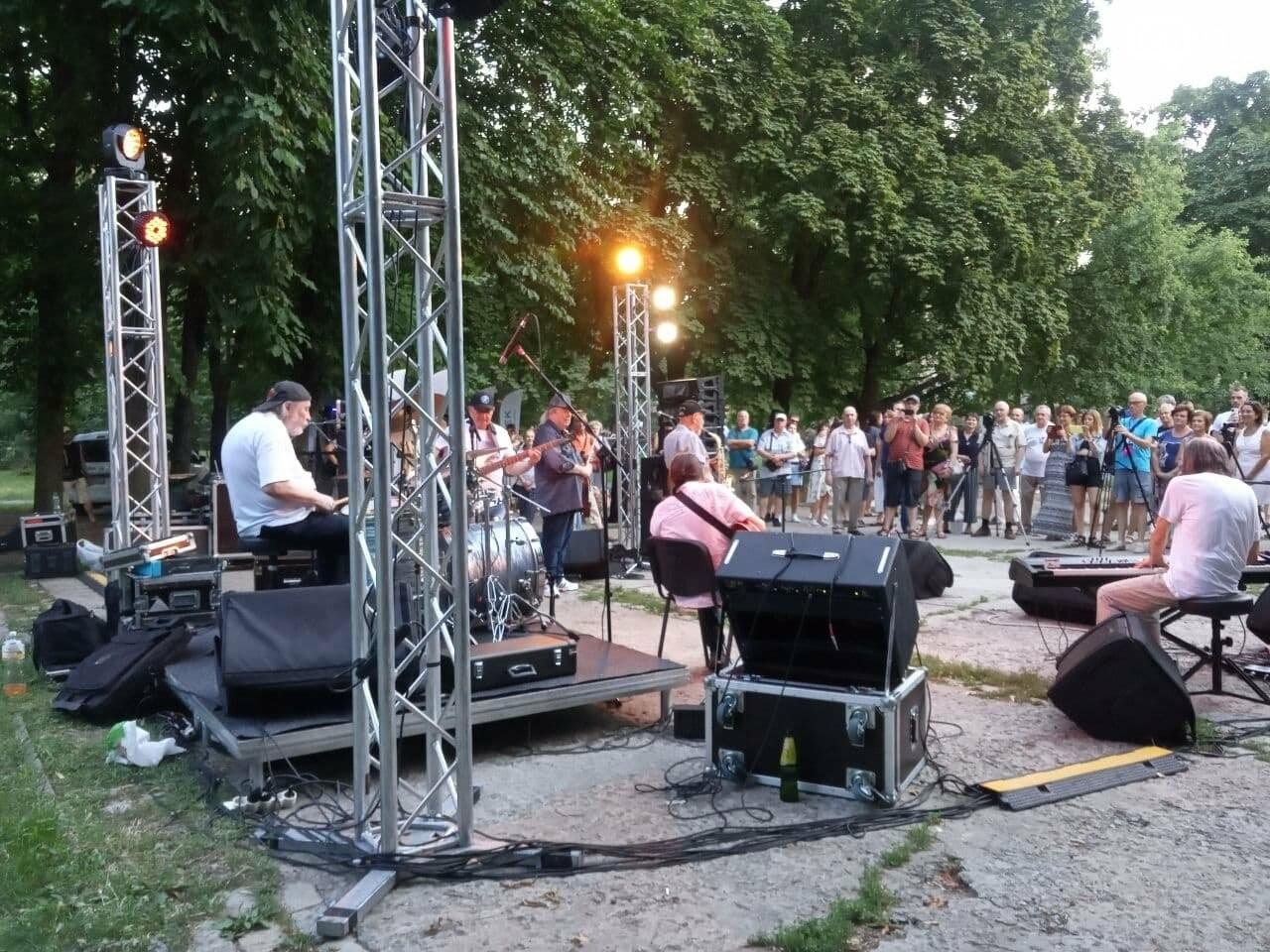 В Днепре по всей территории парка Шевченко звучит музыка нон-стоп, - ФОТО, ВИДЕО, фото-33