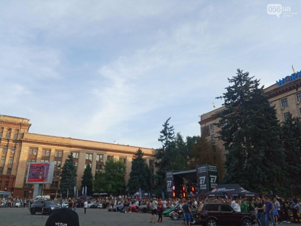 Дрифт в центре Киева спровоцировал скандал, а для Днепра стал шоу с жирными следами, - ФОТО, фото-2