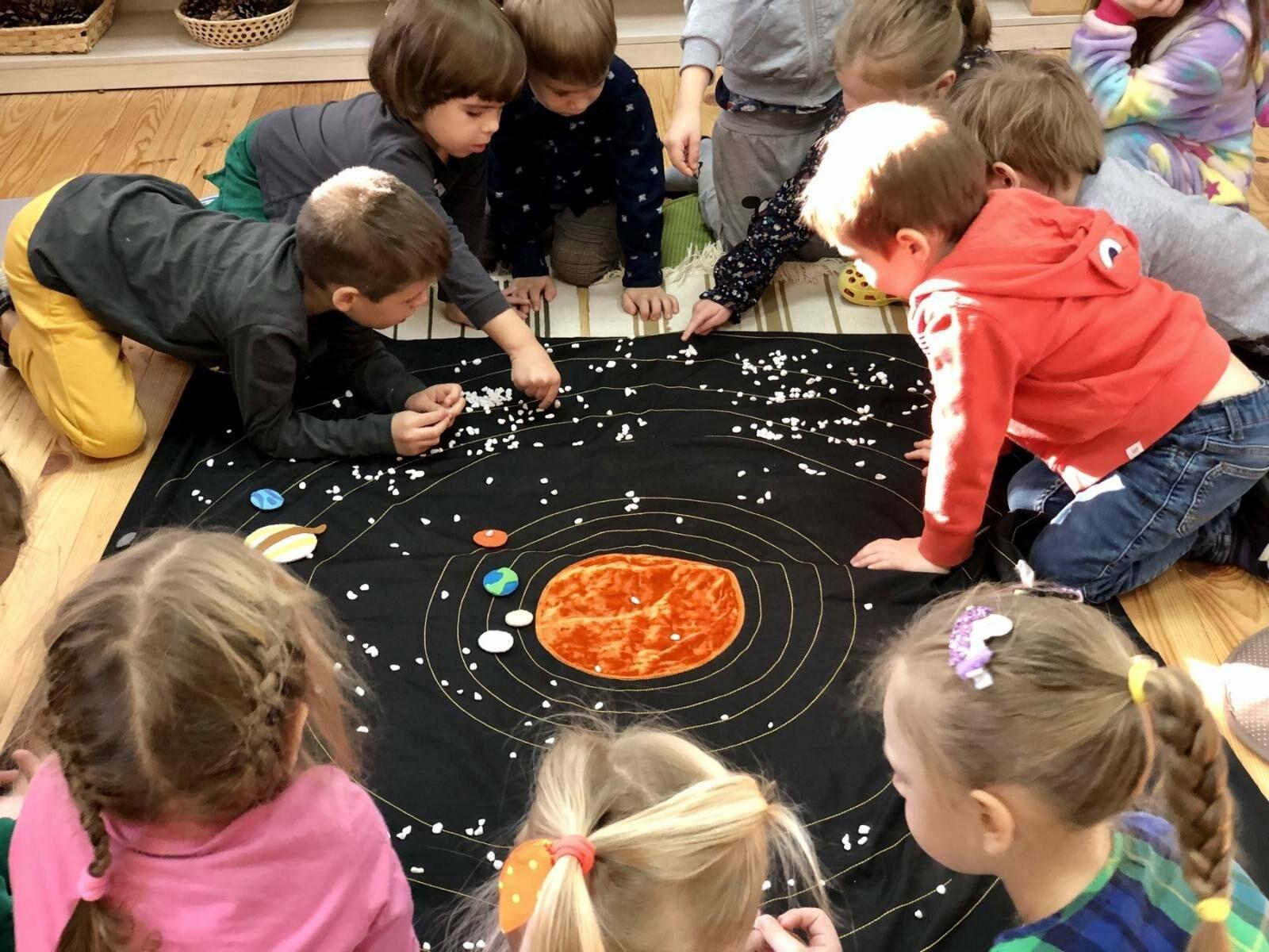 Монтессори урок - Космос, фото-1