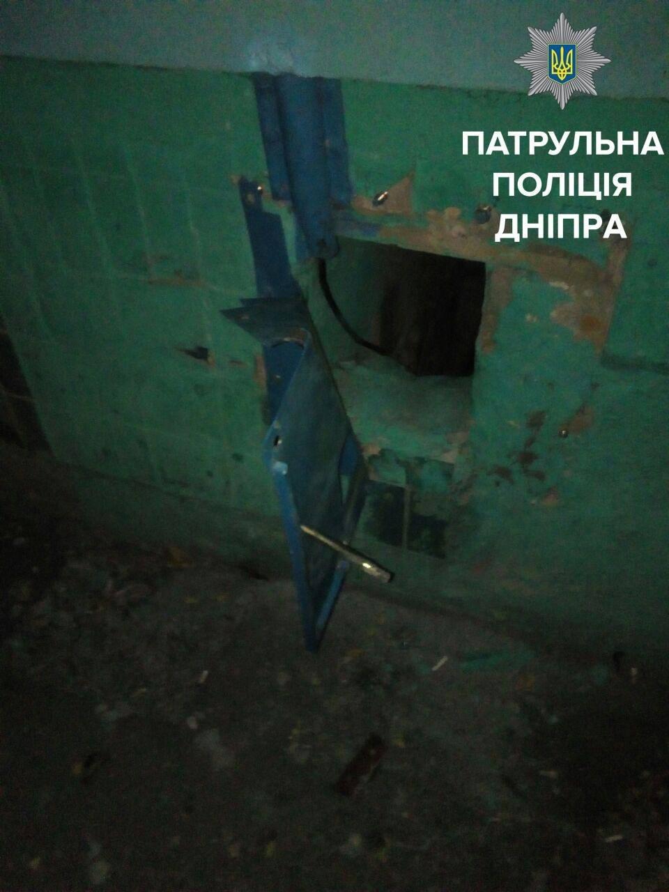 """В Днепре на """"горячем"""" поймали вора кабеля (ФОТО), фото-1"""