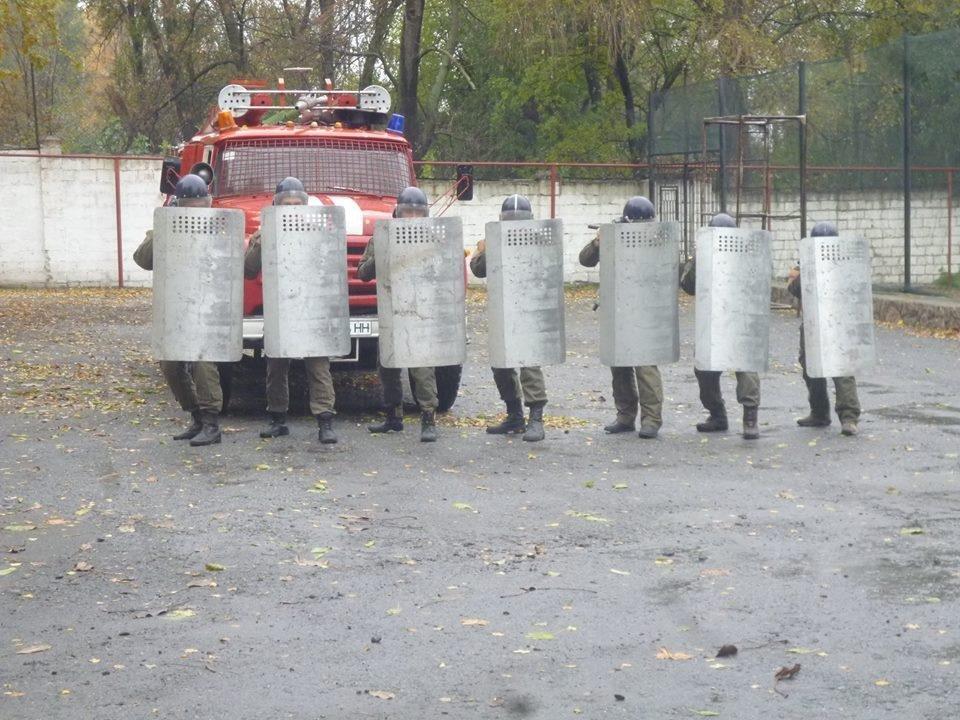 В колонии Днепра учились подавлять массовые беспорядки (ФОТО) , фото-1