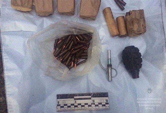 В Днепропетровской области полиция обнаружила машину, начиненную взрывчаткой (ФОТО), фото-2