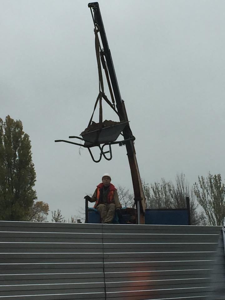 Лайфхак по-днепровски: как с помощью строительной тачки построить метро (ФОТО), фото-2