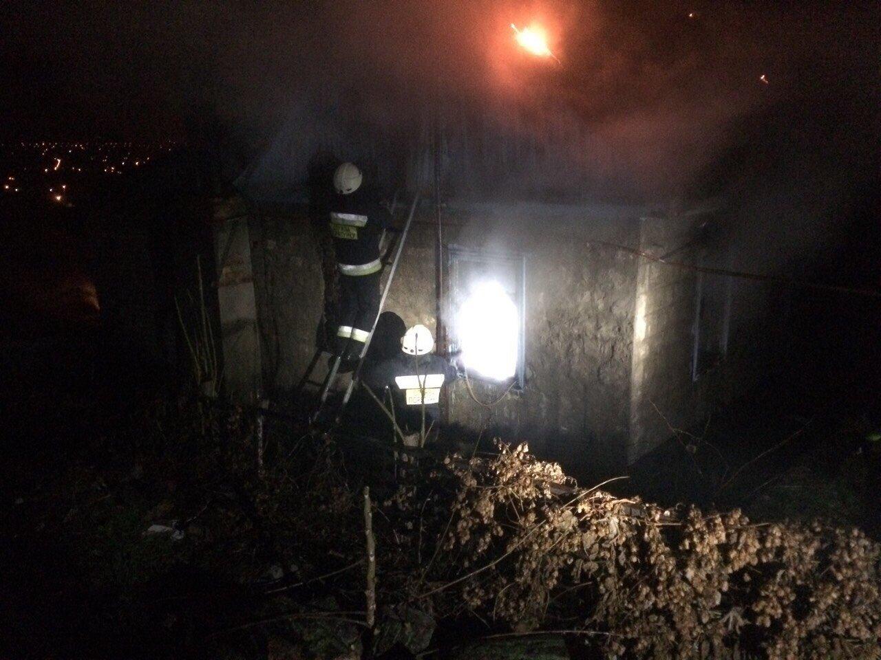 В Днепре спасатели три часа боролись с огнем (ФОТО,  ВИДЕО) , фото-1