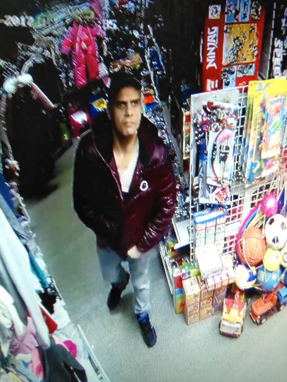 В Днепре на Рабочей украли  детский костюм (ФОТО, ВИДЕО), фото-3