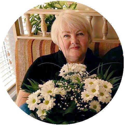 «Я вяжу уже более 50 лет и до сих пор засиживаюсь ночами со спицами» – мастерица из Днепра о вязании, семейном бренде и знаменитых клиентах, фото-1