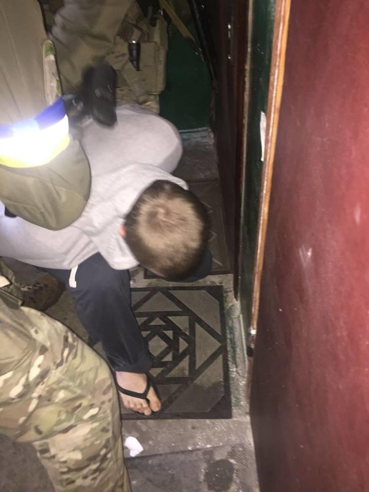 В Киеве задержали подозреваемых в подрыве гранатой полицейских в Днепре (ФОТО), фото-2
