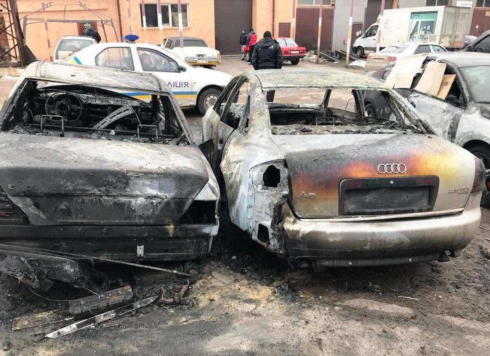 В Днепропетровской области сгорело 5 иномарок: что произошло (ФОТО), фото-1