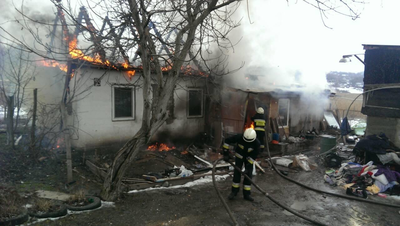 В Днепре сгорел частный дом: правоохранители устанавливают причины пожара (ФОТО), фото-1