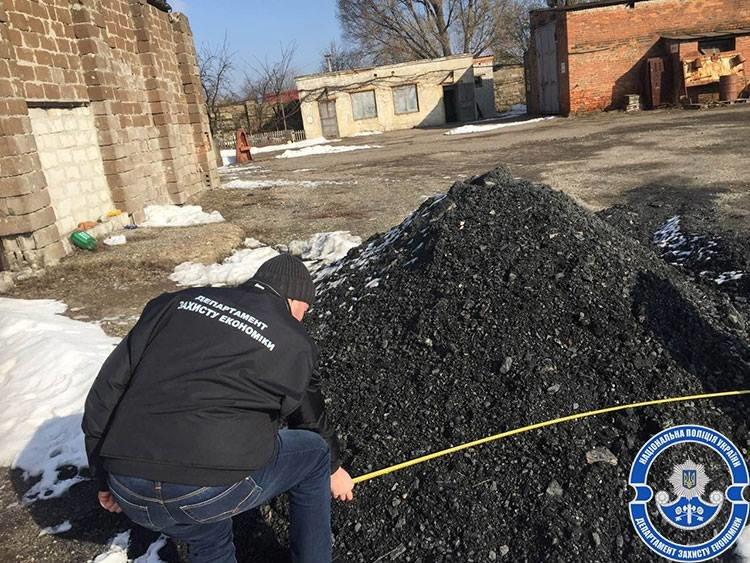 В Днепропетровской области должностные лица госпредприятия космической отрасли организовали незаконную схему обогащения (ФОТО), фото-2