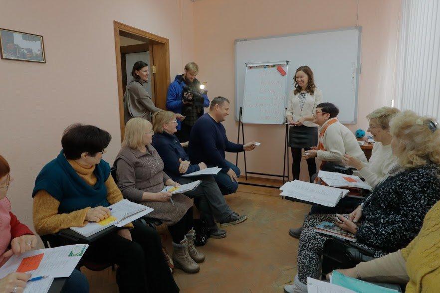 Английский для всех: Борис Филатов побывал на одном из занятий Университета третьего возраста, фото-3