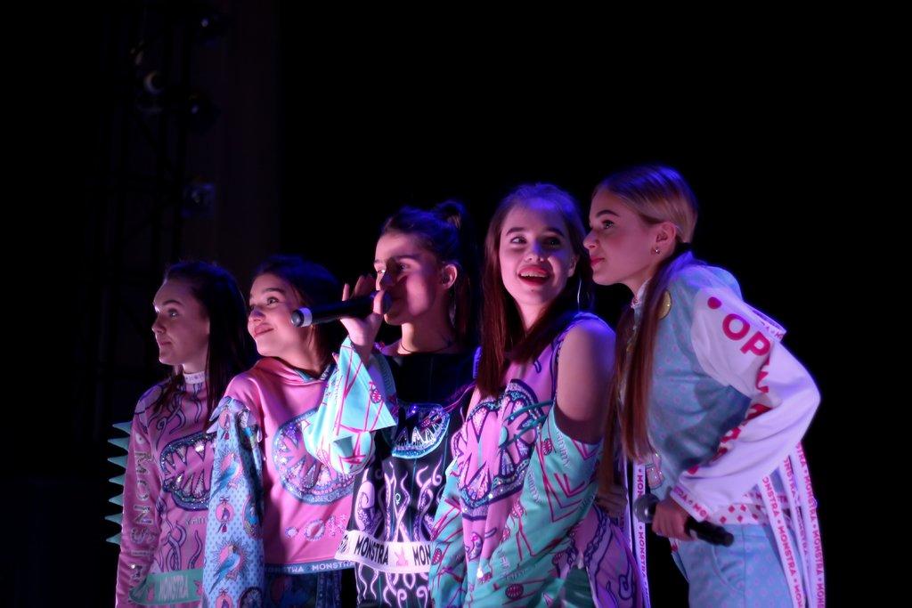 Песни, секреты и подарки: как в Днепре прошел концерт группы Open Kids, фото-2