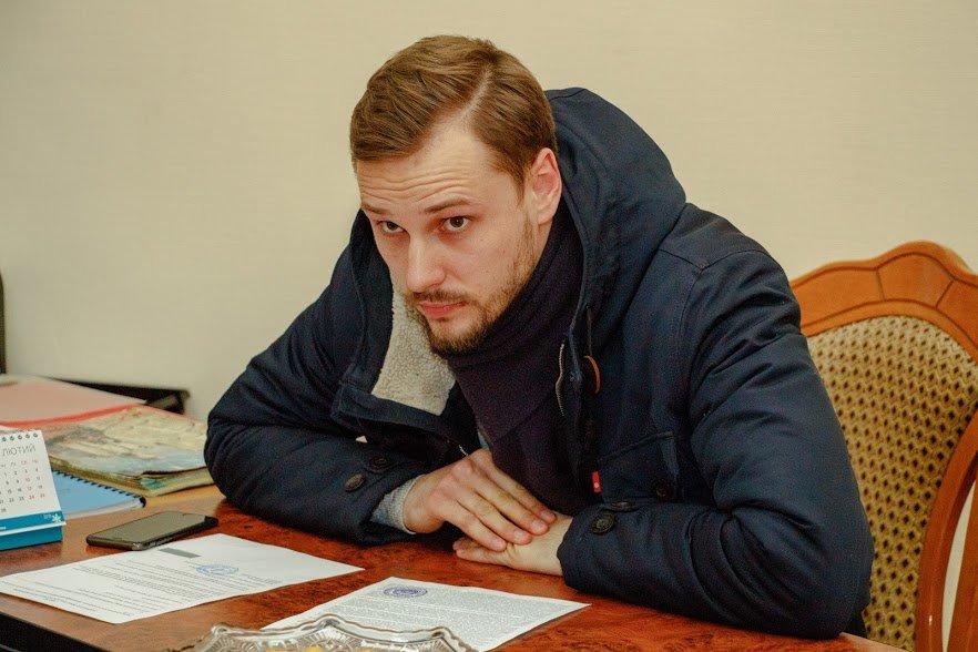 Старые схемы новых правоохранителей: Кто «крышует» незаконные заправки в Днепре, фото-2