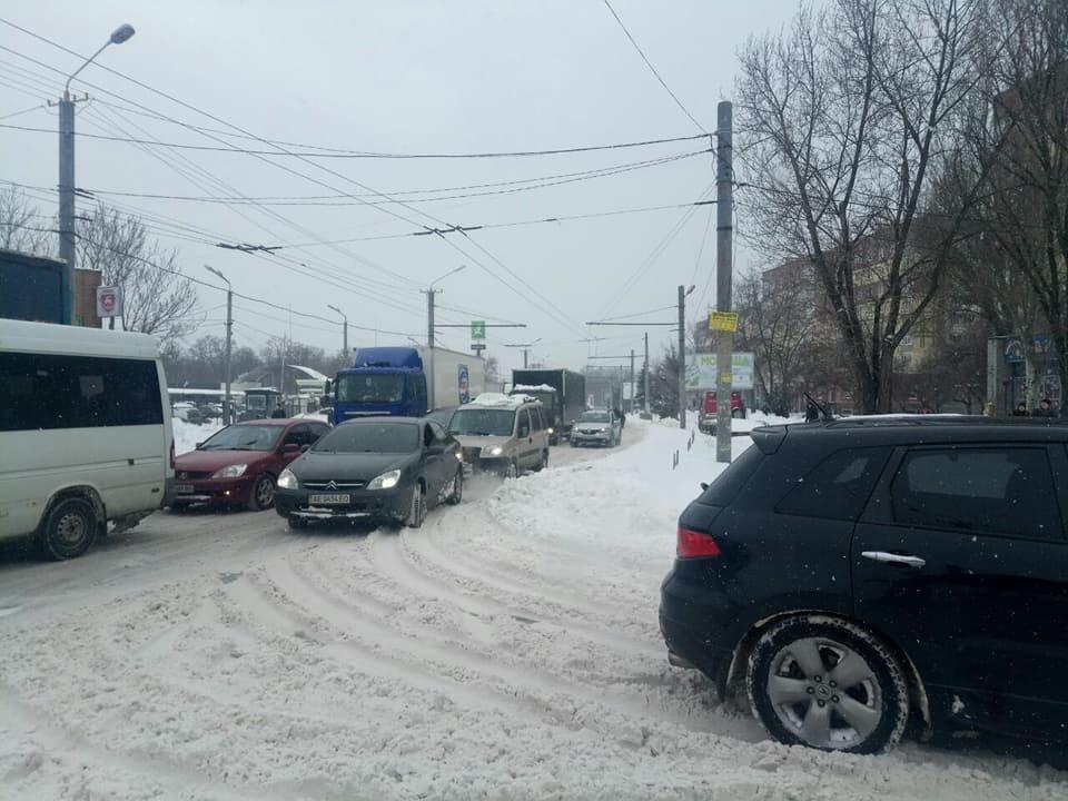 В Днепре фуры заблокировали движение общественного транспорта (ФОТО), фото-2