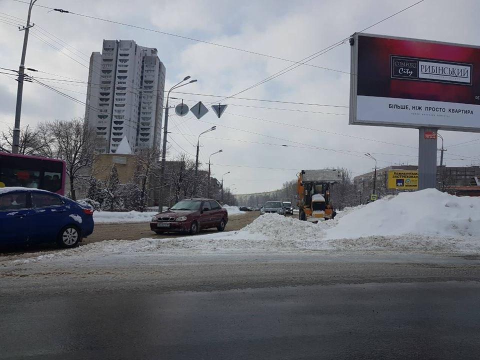 В Днепре применили уникальную для Украины технологию защиты асфальта от льда, фото-5